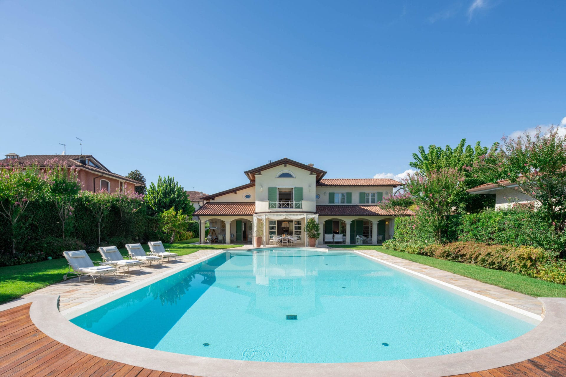 front villa view from garden - Forte dei Marmi LUX